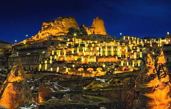 Каппадокия - скальное поселение в Турции