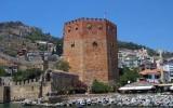 Красная башня в Алании