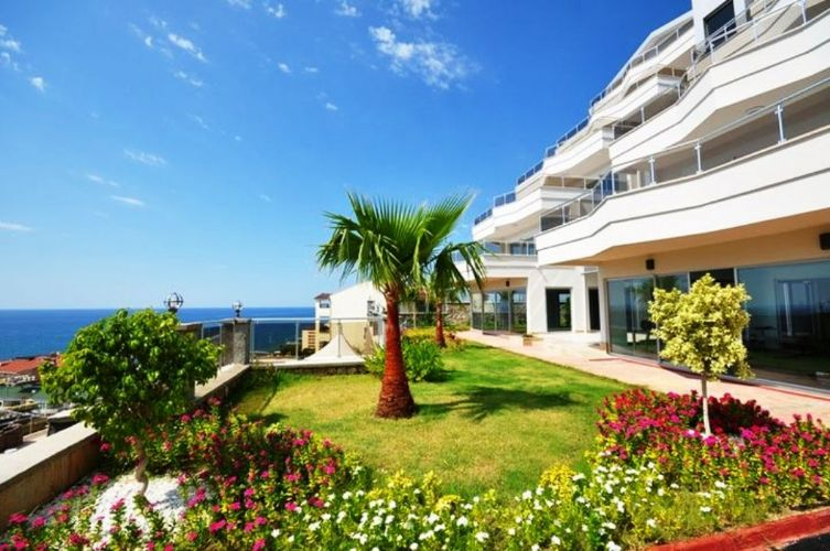 Купить дом на берегу моря в турции
